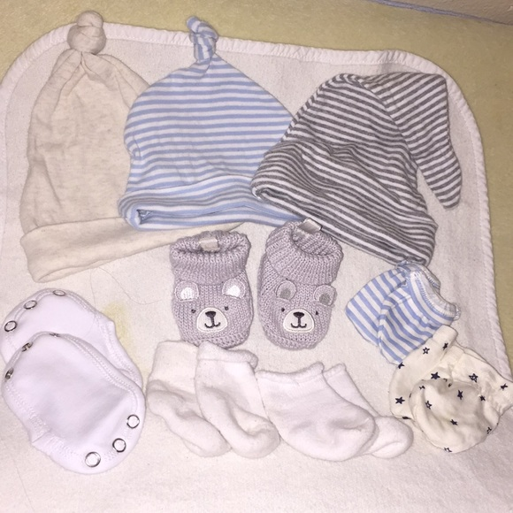 423960fcaa2 Burt s Bees Baby Other - New baby misc hats